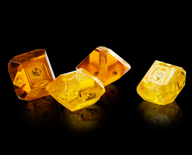 ORANGE AND YELLOW COLOURED GEMSTONES