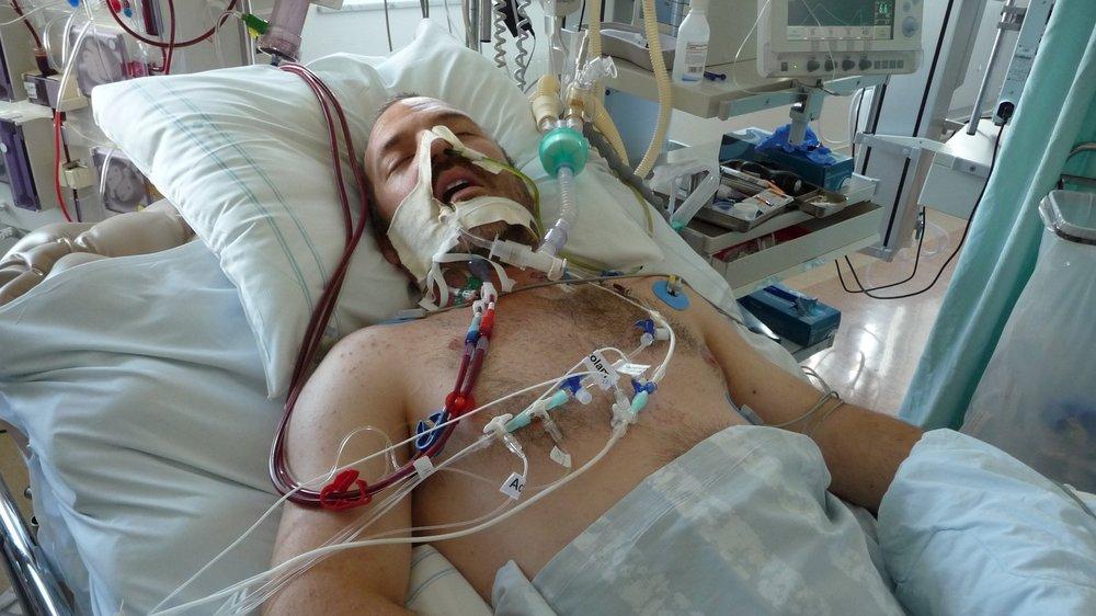 Hur man överlever ett hjärtstopp 30 mil från sjukhus - Lyssna på Vetandets värld i P1