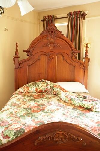 Daisy Room bed