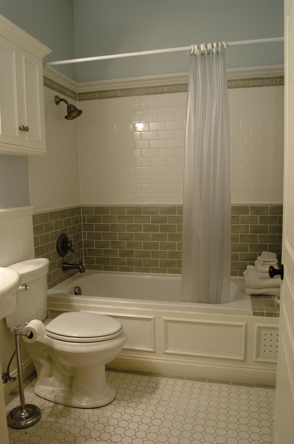 Lily Room bath