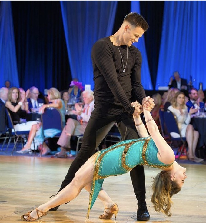 """""""Arranca En Fa"""" Salsa for Dancing Stars of Atlanta   I had the honor of being one of the professional dancers for the 2017 Dancing Stars of Atlanta, benefitting Alzheimer's Association. With my partner, Nick Hagelin (""""The Voice"""" top 10 finalist season 10), I choreographed and performed a spicy salsa routine! Performed at the Cobb Galleria in 2017."""