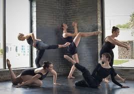 modern dancers.jpeg