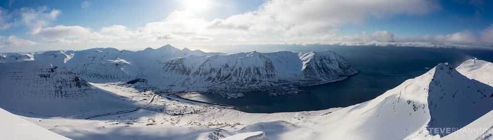 SKI AND SNOWBOARD TRIPS //     ICELAND  Spring touring with 24 hour daylight, traversing from fjord to fjord in a country where every mountaintop is awaiting you with a spectaculair view!