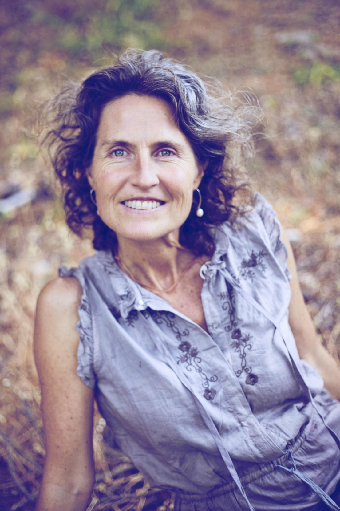 Shakti Malan was born in South Africa and has an extensive international and online teaching presence. She has a Ph.D. in Social Anthropology and through that work, she came to realize that the collective will only transform if individuals awaken to their true nature. Shakti has a gift and passion for supporting realization of truth in collectives. Shakti is an international teacher of Tantra, a practice that seeks to bring what we realize in transcendent awareness into our embodied living, and into our sexuality.
