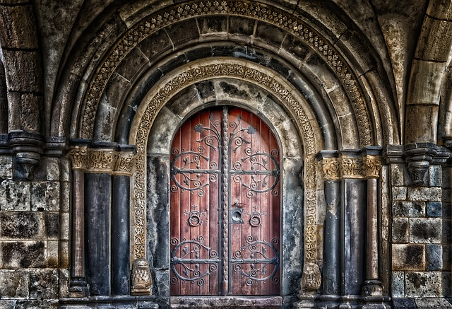 Elaborate Doorway_640.jpg
