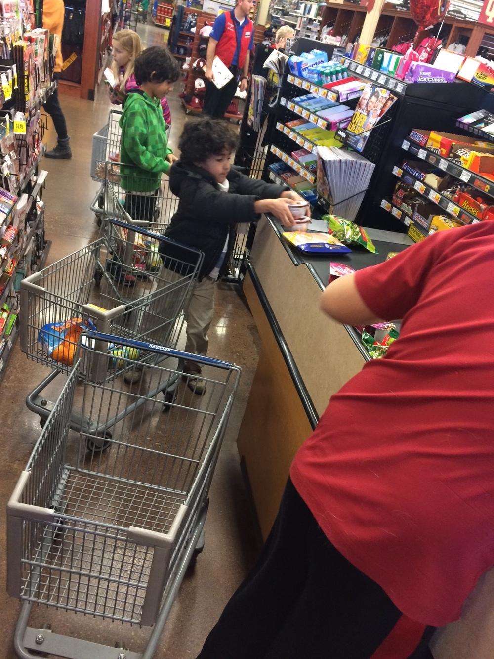 Teamwork at checkout
