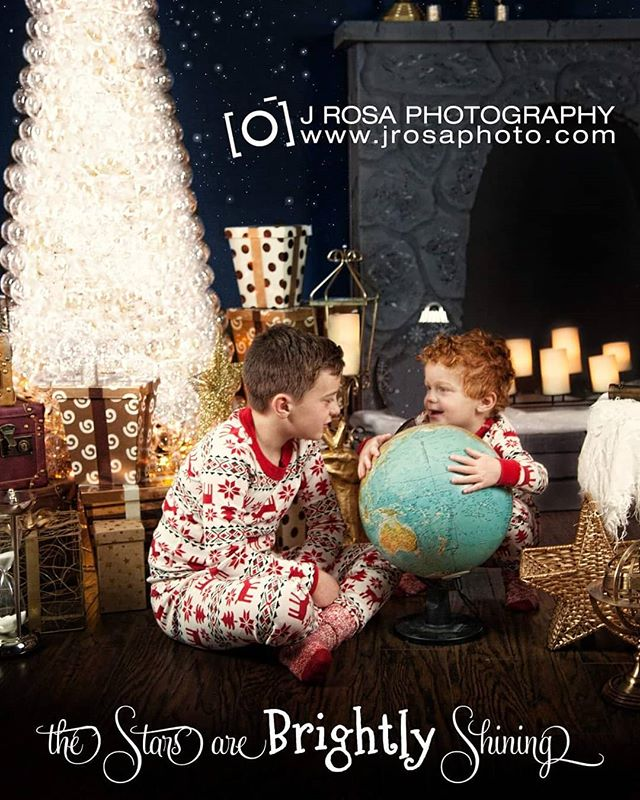 Christmas is here and the stars are brightly shining! Now offering limited Holiday sessions on our exclusive one-of-a-kind set! Perfect for stargazers of all ages! Session fee $100 + $150 for 5 digital photos or $250 for 10 digital photos with permission to do your own printing.