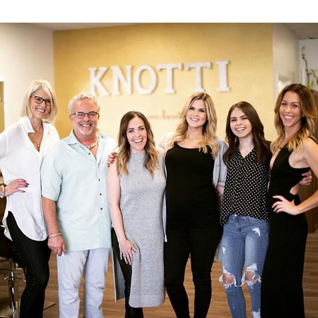 Some of the amazing Knotti Glam Crew.  Call or Email us today to book your trial 🖤 . . . #weddingglam #knottiglamcrew #arizonawedding #phoenixweddings #mua #bridalhair #bridalmakeup #