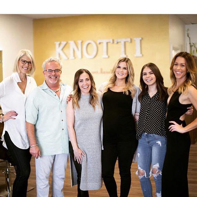 Some of the amazing Knotti Glam Crew.  Call or Email us today to book your trial 🖤 . . . #weddingglam #knottiglamcrew #arizonawedding #phoenixweddings #mua #bridalhair #bridalmakeup #