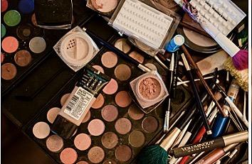 Because all the makeup 👄 . . . #mua #knottiglamcrew #bridalmakeup #makeup #azwedding #bridal #phoenixbride #weddingseason #hairandmakeup