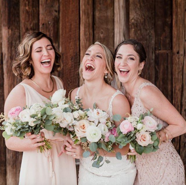 Who else is this happy it's Friday!? Still gushing over these gorgeous women✨ @dinaremi @whatadayweddings @highheelhippy @knottibymarissa @jacs.ink . . . #knottiglamcrew #weddingglam #weddingseason #azwedding #phoenixweddings #bride #mua #bridalhair #bridalmakeup
