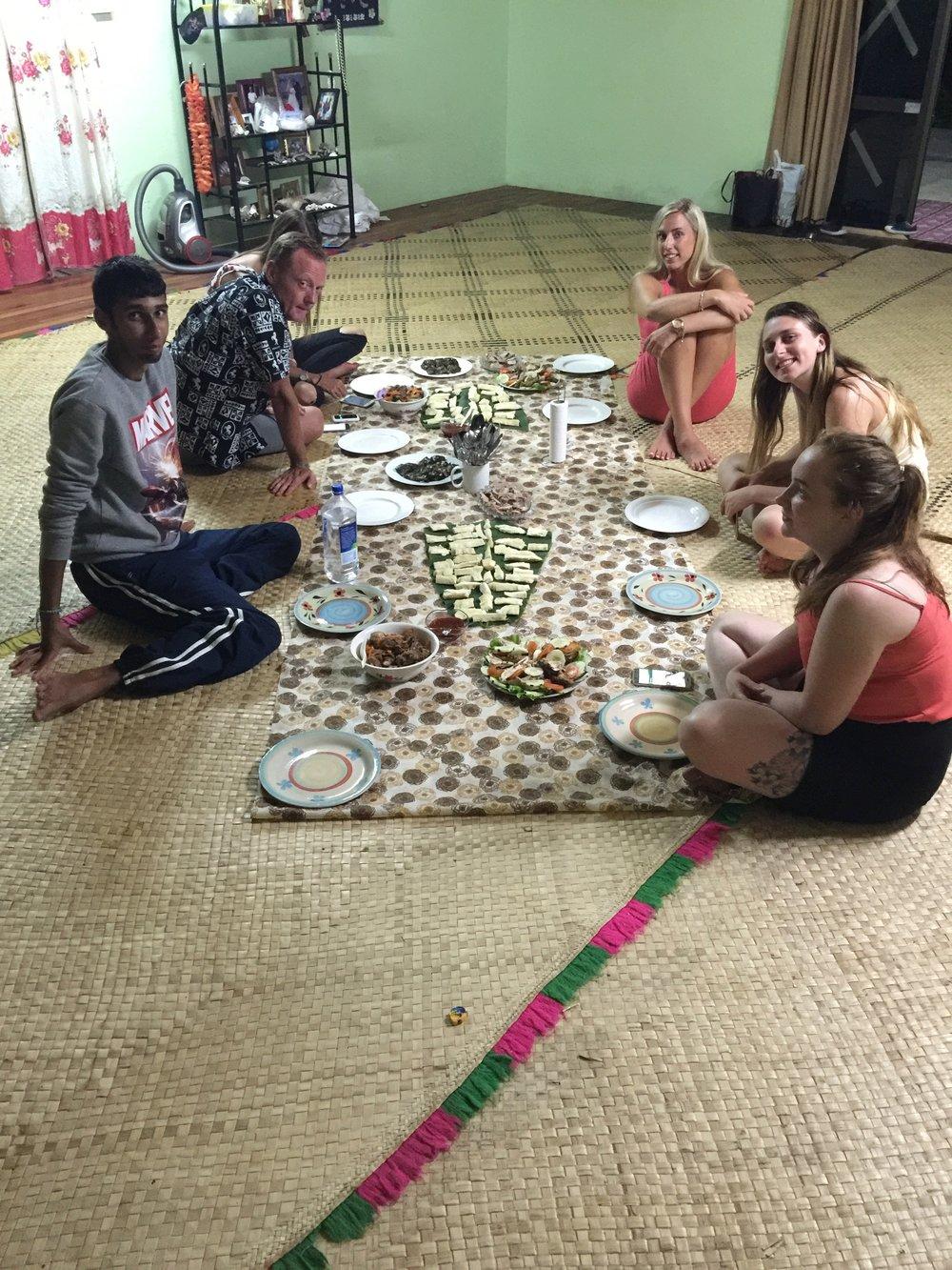 Travel Teacher volunteering living local