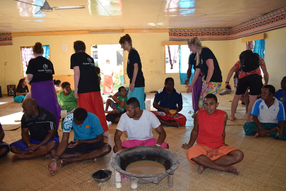 Travel Teacher | Volunteers sampling Fijian culture