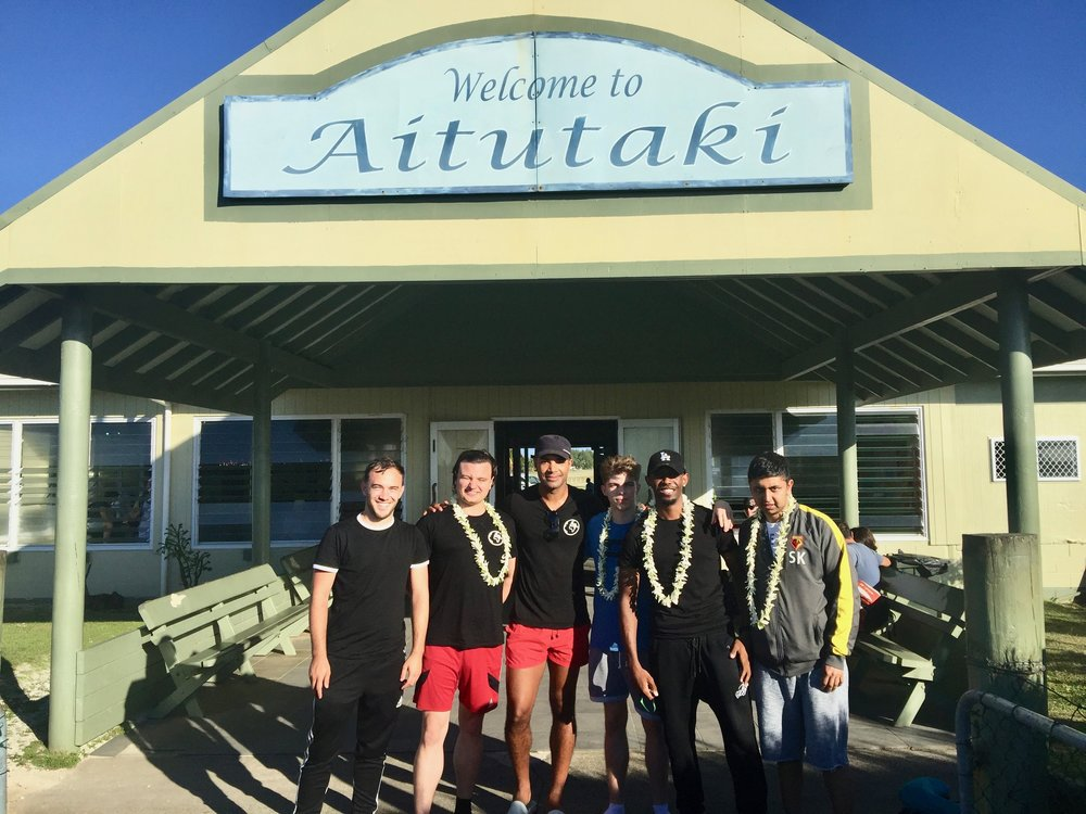 Travel Teacher | Volunteers arriving in Aitutaki