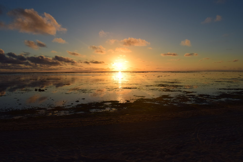 Sunset in Aitutaki | Travel Teacher