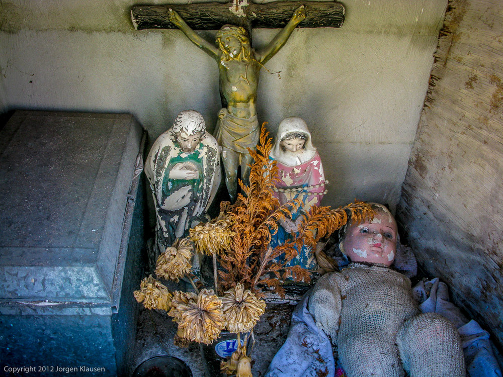 mexican graveyards_508
