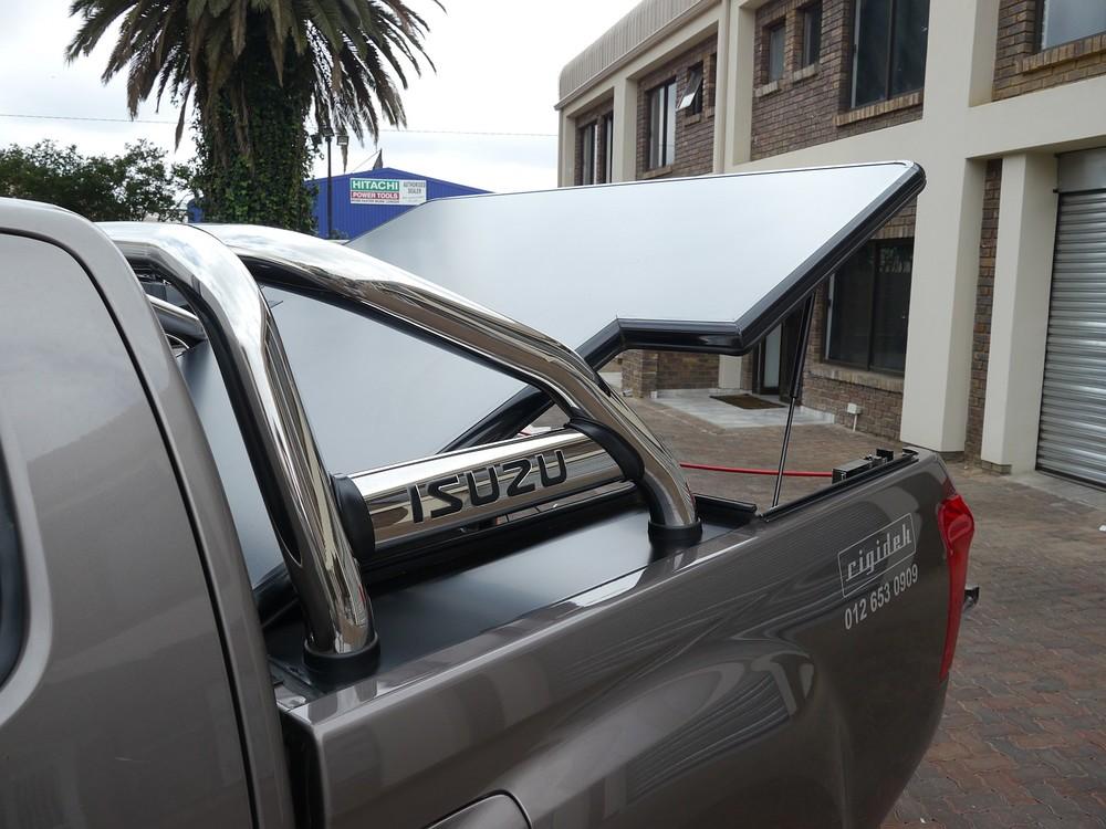 Rigidek Laderaumabdeckung - Isuzu D-Max - Double Cab mit Sports Bar 1002.JPG