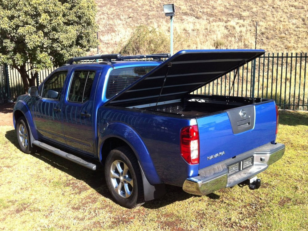 nissan navara rigidek laderaumabdeckung tonneau cover. Black Bedroom Furniture Sets. Home Design Ideas