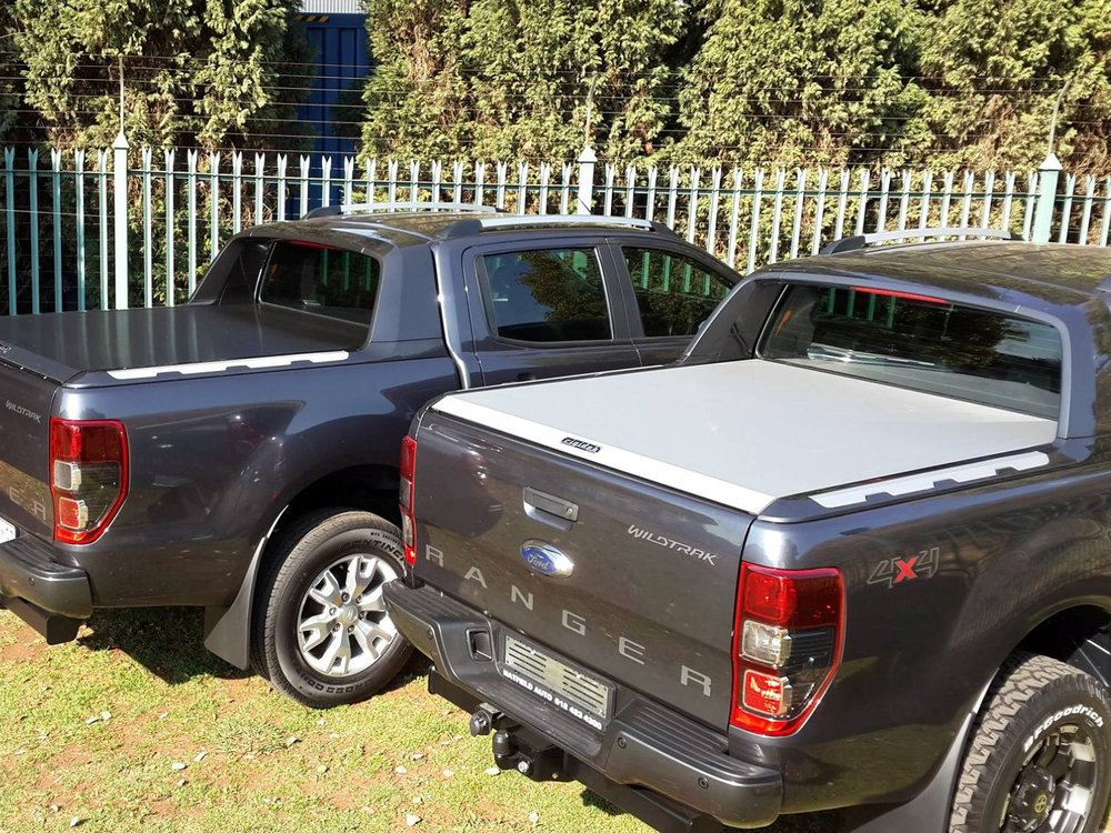 Rigidek Laderaumabdeckung - Ford Ranger 2012 Double Cab Wildtrak 240.jpg