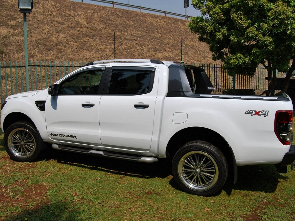 Rigidek Laderaumabdeckung - Ford Ranger 2012 Double Cab Wildtrak 124.jpg
