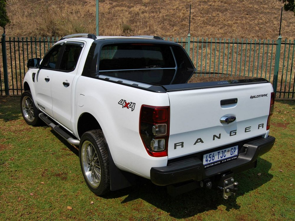 Rigidek Laderaumabdeckung - Ford Ranger 2012 Double Cab Wildtrak 125.jpg