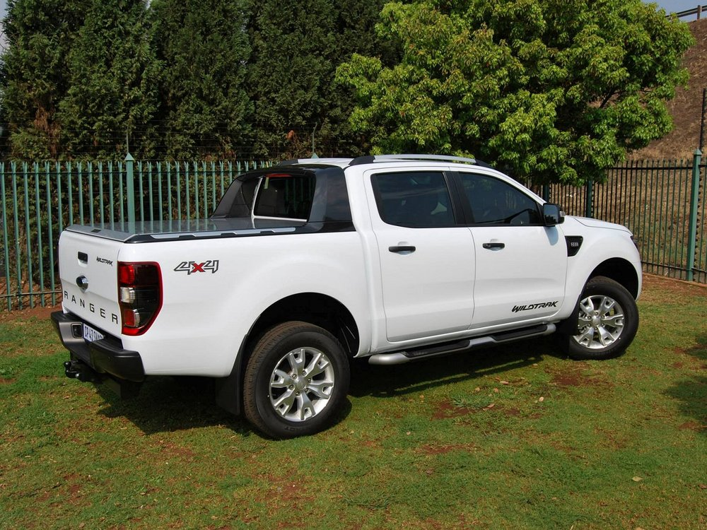 Rigidek Laderaumabdeckung - Ford Ranger 2012 Double Cab Wildtrak 151.jpg