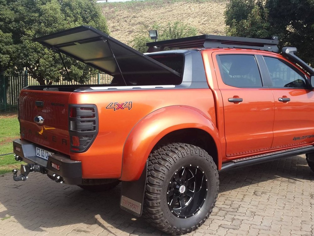 Rigidek Laderaumabdeckung - Ford Ranger 2012 Double Cab Wildtrak 232.jpg