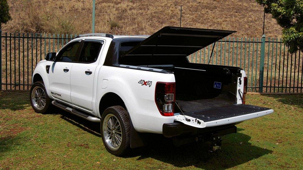 Rigidek Laderaumabdeckung - Ford Ranger 2012 Double Cab Wildtrak 129.jpg