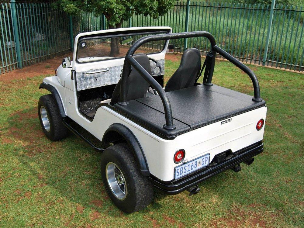 Rigidek Laderaumabdeckung - Willys Jeep 100.jpg