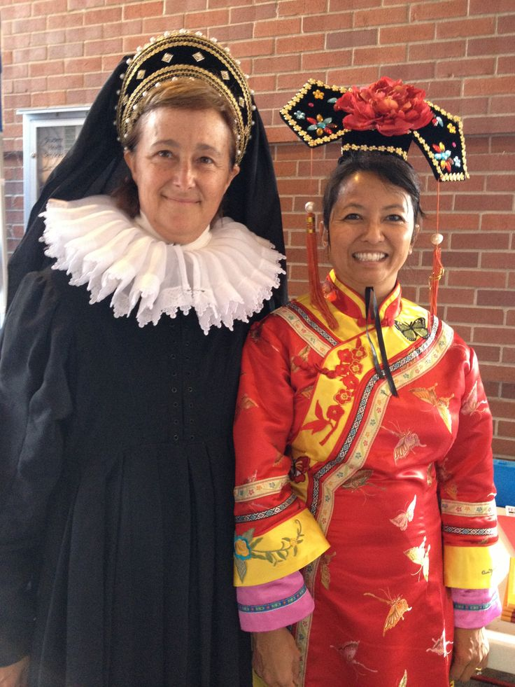 Janie, dressed as Catherine de' Medici, presenting her book at the 2013 Sonoma Book Festival  with author Natasha Yim as Cixi, The Dragon Empress.