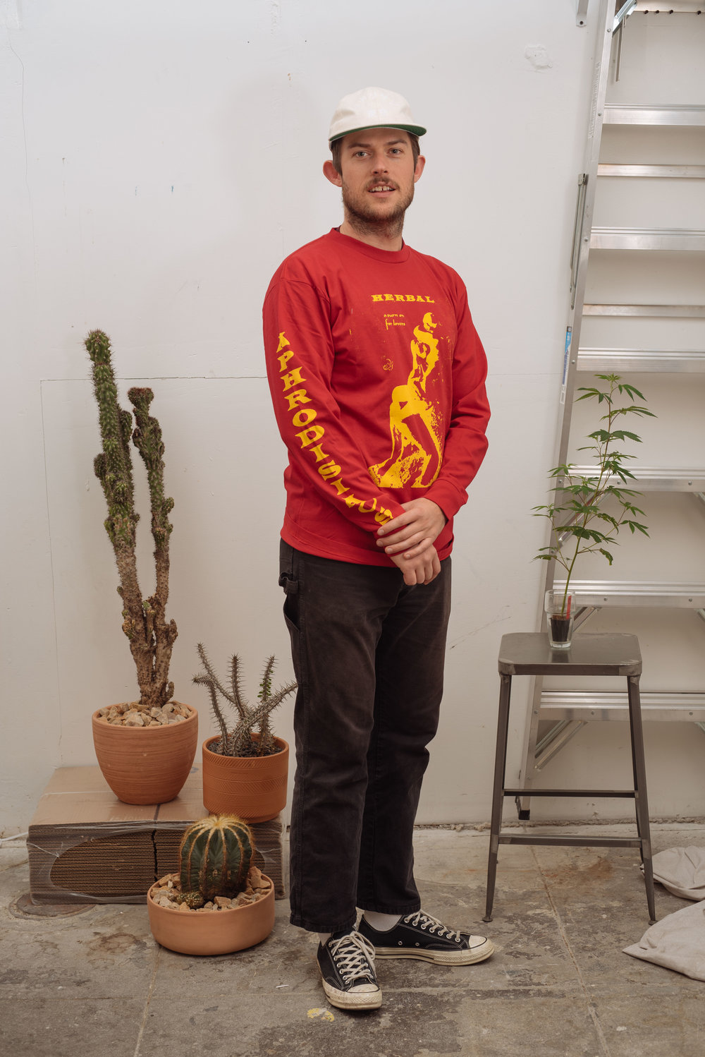 Midori San Cap - Natural   Aphrodisiacs Longsleeve - Red   Green Dickies - Black