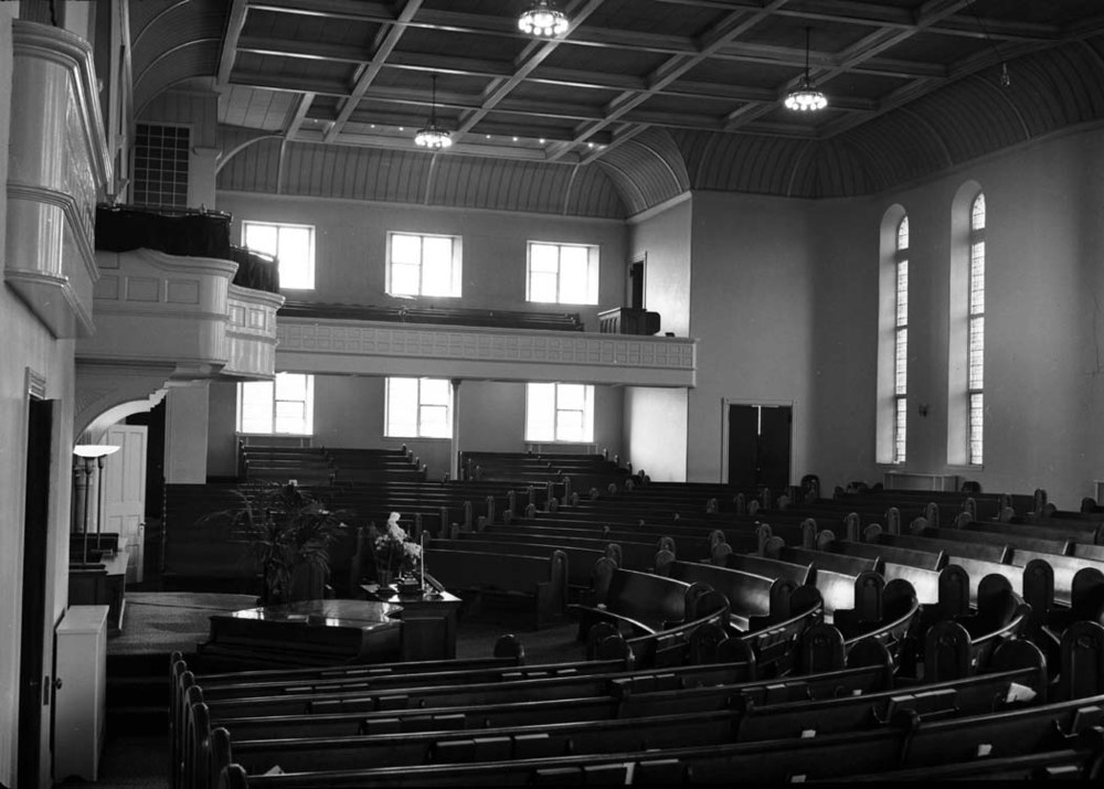 1953-11-08 FBC Sanctuary 1 - source archives - neg.JPG
