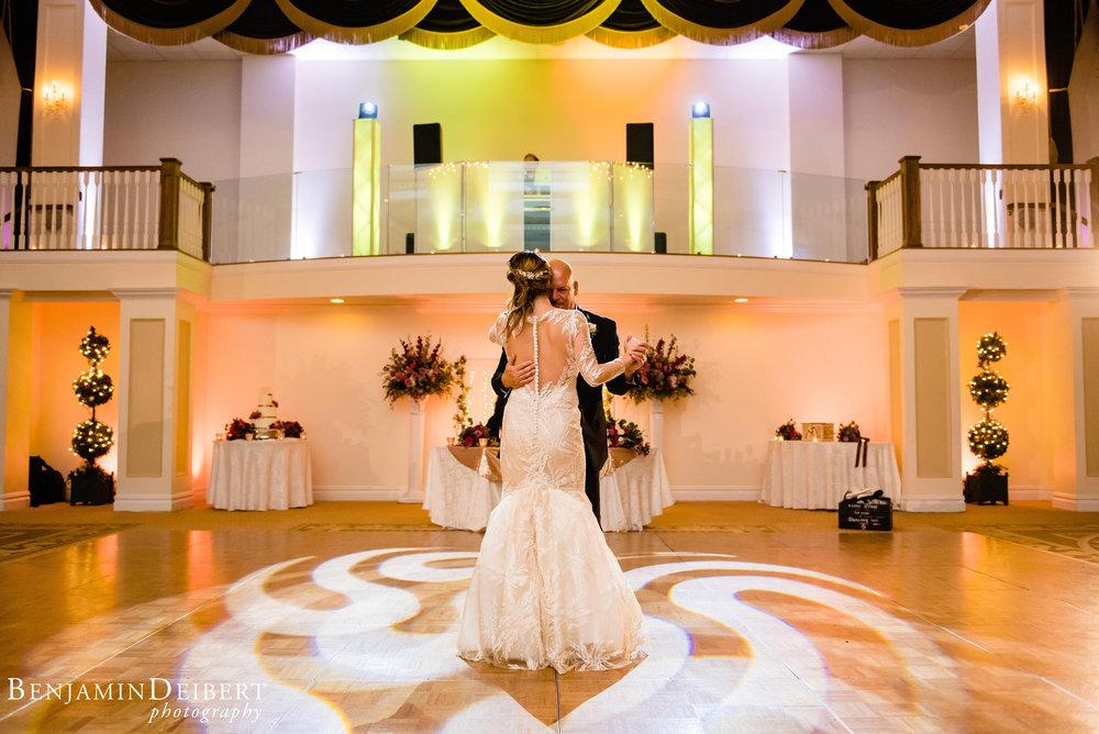AmandaandElliott_TheCarriageHouse_Wedding-57.jpg