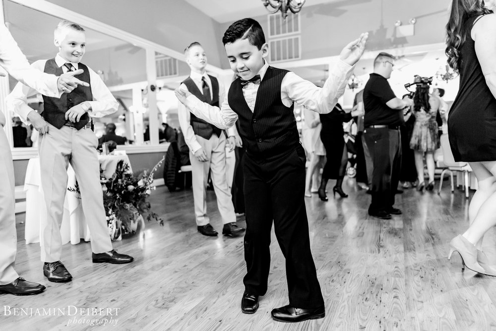 Jamie and Michael_Cameron Inn Estate_Wedding-113.jpg