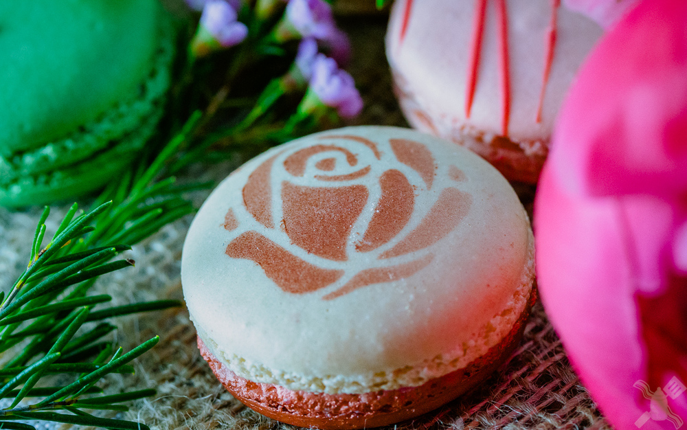 Gorgeous Mother's Day macaron- so my favorite.  Raspberry and rose go so well together that I want to try them in other recipes very soon.