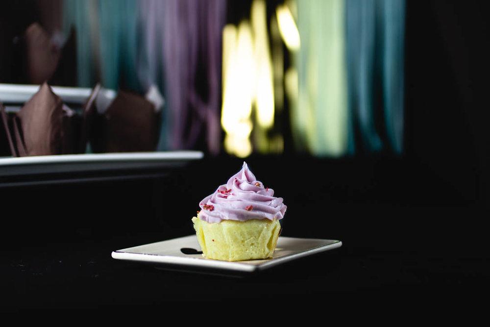 bloggeversary cupcakes-8.jpg