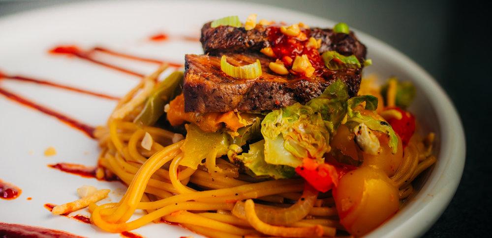 chili garlic chow mein