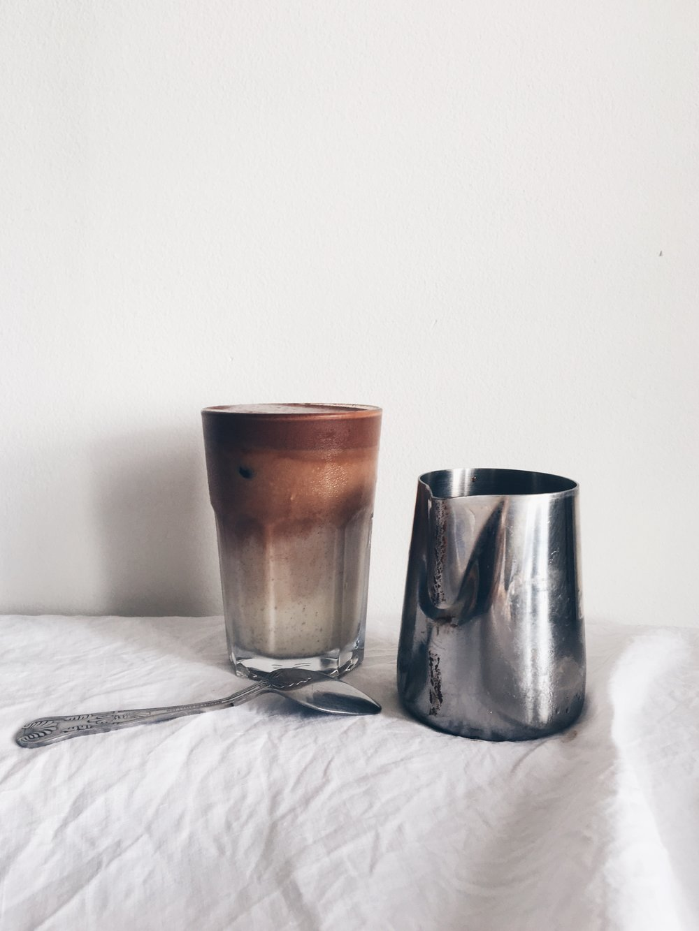 the endometriosis diet: vegan iced chocolate milk