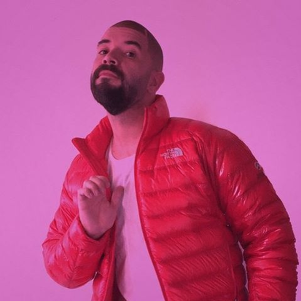Drake in Hotline Bling, look 1.