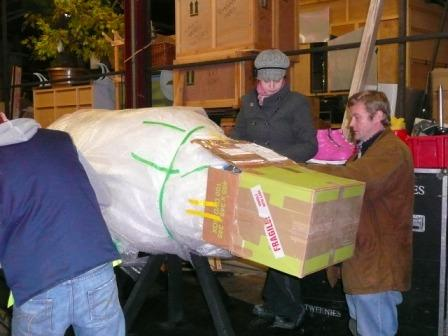Then finally on Monday 10th November it's time for Priscilla to head up to Kilmarnock, so she gets very carefully wrapped up and put on the lorry for her long journey North... shame she's not able to fly and save us the cost of a lorry! :O)