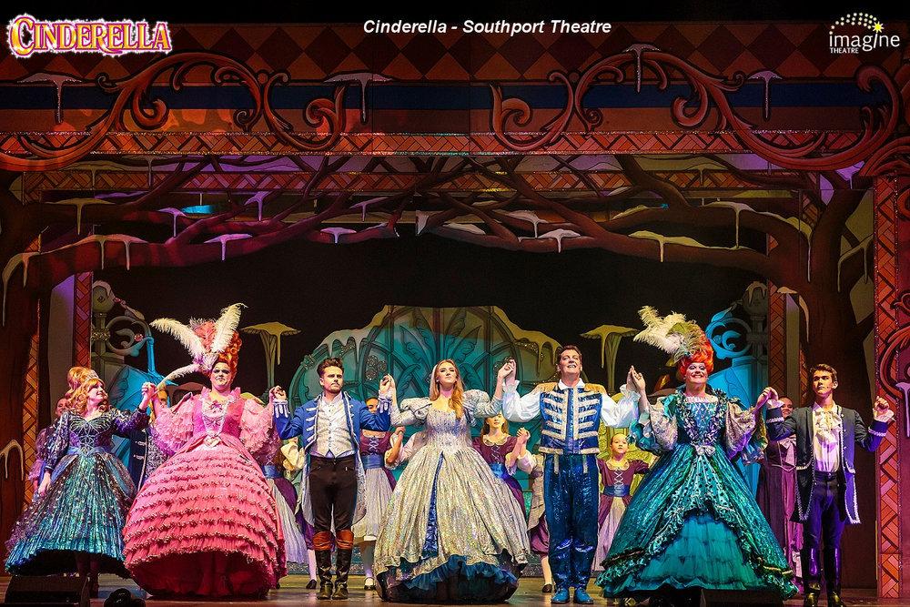 Southport Cinderella 2 6D-4941 6x4 sharp.jpg