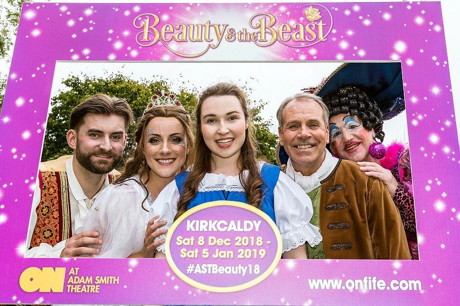 Kirkcaldy-9689 6x4 sharp.jpg