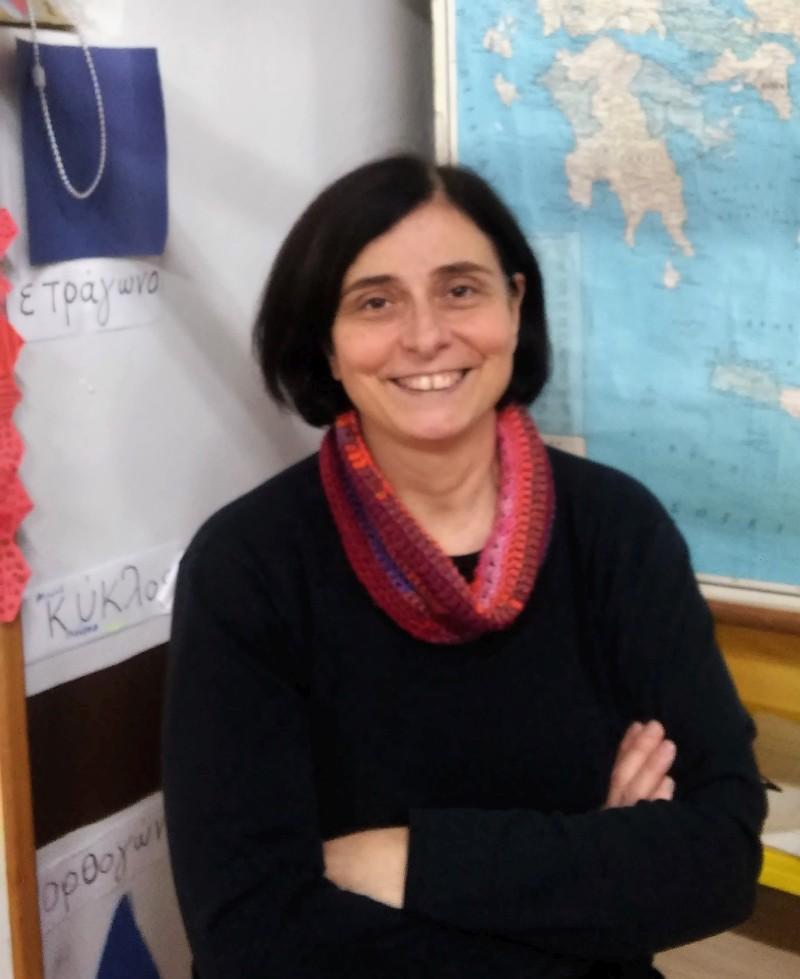 Η Αρετή Αλεξοπούλου νιώθει ότι το Ανοιχτό Σχολείο του Κολωνού έχει αλλάξει τη ζωή της γειτονιάς.