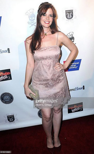 One of our favorite   YouTube   star, the beautiful @heidi cox is giving back at the   American Cancer Society   Red carpet in Hollywood wearing our French designer   Elise Anderegg  , British designer   Halo & Co  , German designer  Marcell von Berlin   and Brazilian designer   RosaTolenttino  . Styled By  #TeamBitton     KANI STYLE  .   Fashion Provided By   #IvanBittonStyleHouse