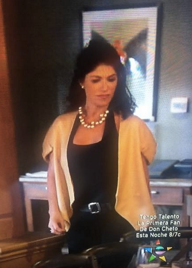 The Beautiful  Club de fans Luzelba Mansour  in Last night episodes of #1 Hit TV show  Rica Famosa Latina  featuring a top from our Polish Designer  BRUNO NOWI  and a Jacket from our Indonesian designer  LAISON . Styled By  #TeamBitton   Veronica Baca  and @melinda blair design.  Fashion Provided By  #IvanBittonStyleHouse