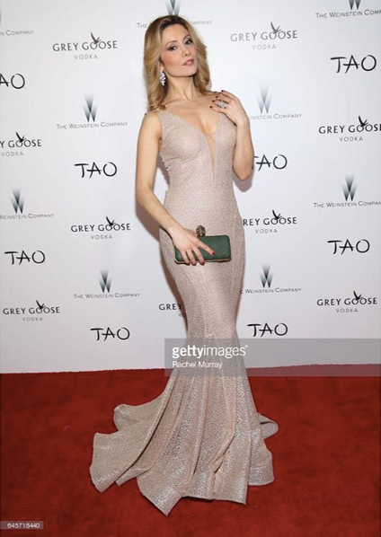 Italian movie star ⭐️  @antonellasalvucci  arrive to the  @taodowntown   #oscarsparty  red carpet wearing our designers ✨ #dress  made by our American designer  @nicolebakti  #jewelry  made by our American 🇺🇸designer  @sambacjewelry  fashion & style provided by  #ivanbittonstylehouse  #whatsheiswearing  #pr  #showrrom  #join  #designers  #glam  #celebrity  #bittonstylehouse  #oot  #italian  #loren  #getty  #ok  #us  #tao  #hollywoodtrend
