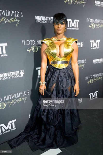 Tv star ⭐️ from  @_america_next_top_model_  @iamtoccarajones  splash the  @floydmayweather   #bday   #oscars  red carpet looking glam to the next level wearing our designers ✨ #skirt  made by our designer from Germany 🇩🇪  @marcellvonberlin   #armer  made by our designer from Ukraine 🇺🇦  @chernobyl_show_design  fashion provided by  #ivanbittonstylehouse  styled by stylist to the stars  @ejking21  ⭐️💥👑 #whatsheiswearing  #celebritystyle  #redcarpetstylist  #hollywoodtrend  #ootd  #hollywood  #mayweather  #showrrom  #designers  #bloggers  #bittonstyle  #fame  #pr  #us  #getty