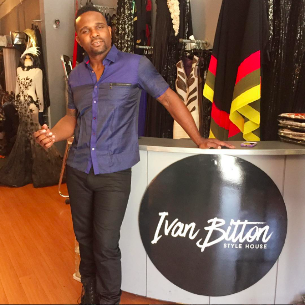 Favorite TV show ever!  @dariusmccrary  from  #famillymatters in the House! Wearing a shirt by our American designer  @barabas_men  ❤️❤️ watch for his upcoming single  #fresh  ❤️❤️. Styled by  #teambitton    @leisastylediva Fashion Provided by  #ivanbittonstylehouse