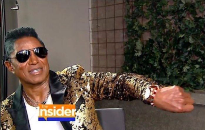 Breaking news! Music royalty Jermaine Jackson  @officialjermainejackson  telling  @cbstv   @theinsider  what time it is in a jacket by our designer  @barabas_men  . Styled by  #teambitton  @leisastylediva  / Fashion Provided by  #ivanbittonstylehouse