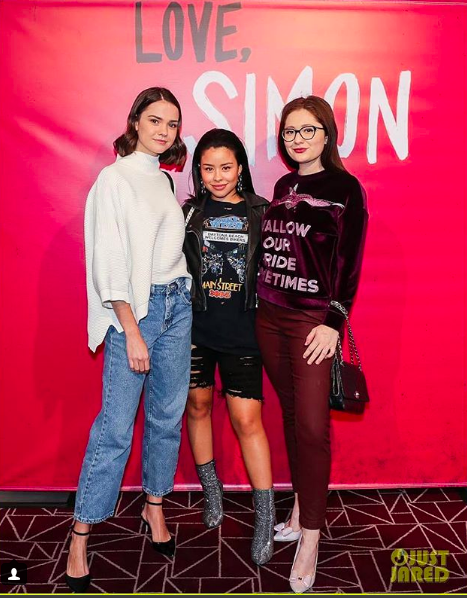 ivanbittonstylehouse Spotted  @shameless star  @emmarosekenney  at the love simon red carpet premiere hosted by  @justjared wearing our designer from Hong Kong  @ziztar  styled by  @michaelstmichael  fashion provided by  #ivanbittonstylehouse